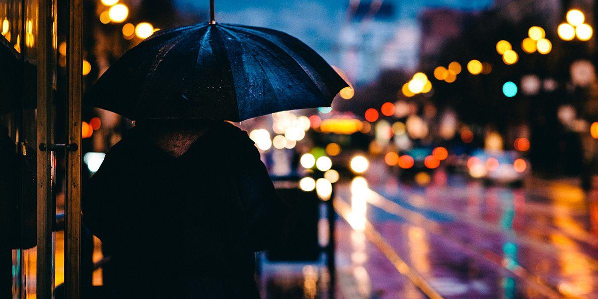 regn och mörker klart