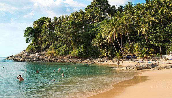 Phuket: 28°C i december